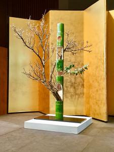 二作目:「竹に梅」
